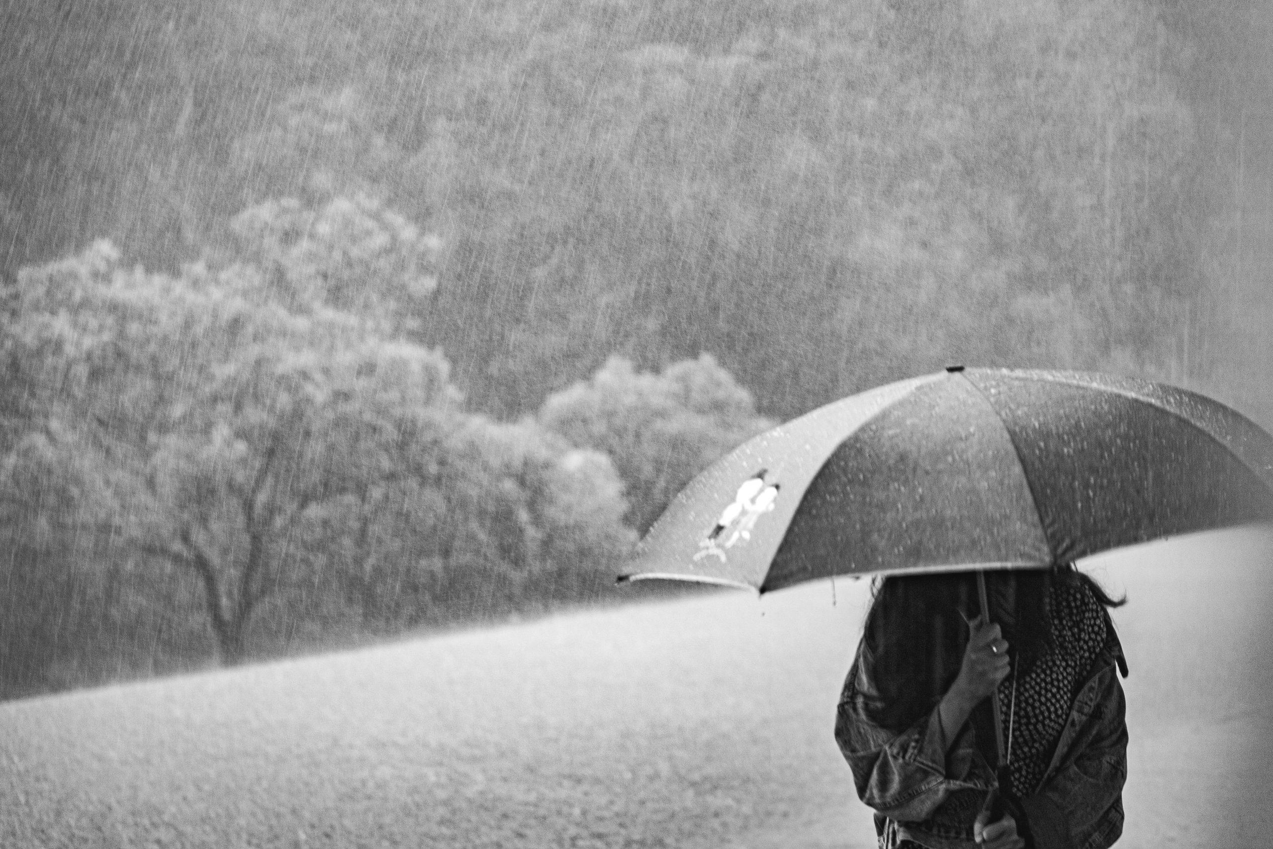 "'Umbrela"" Postpartum: Baby blues, depresie și anxietate.."